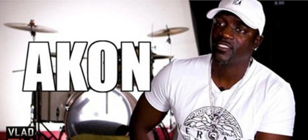 Le chanteur de RNB Akon encourage les Afro-Américains à retourner en Afrique