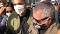 Gilets Jaunes : Jean-Marie Bigard hué par des antifas et exfiltré (ils lui reprochent de penser que les policiers ne sont pas des nazis) (VIDÉO)