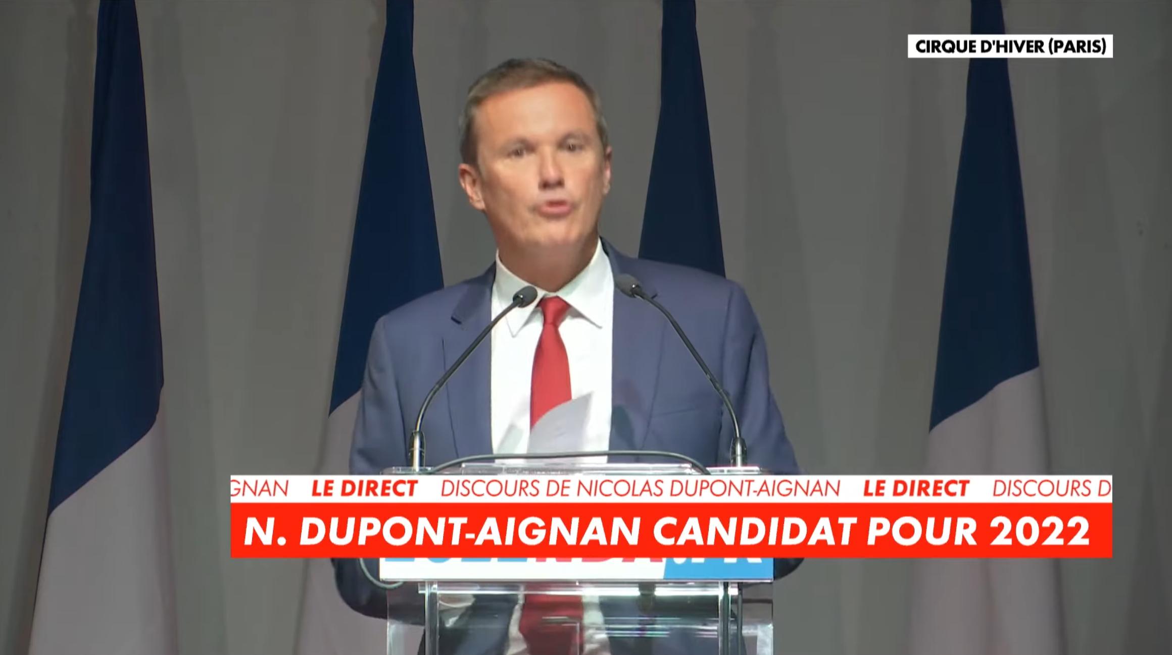 Nicolas Dupont-Aignan annonce sa candidature à l'élection présidentielle de 2022 (VIDÉO)