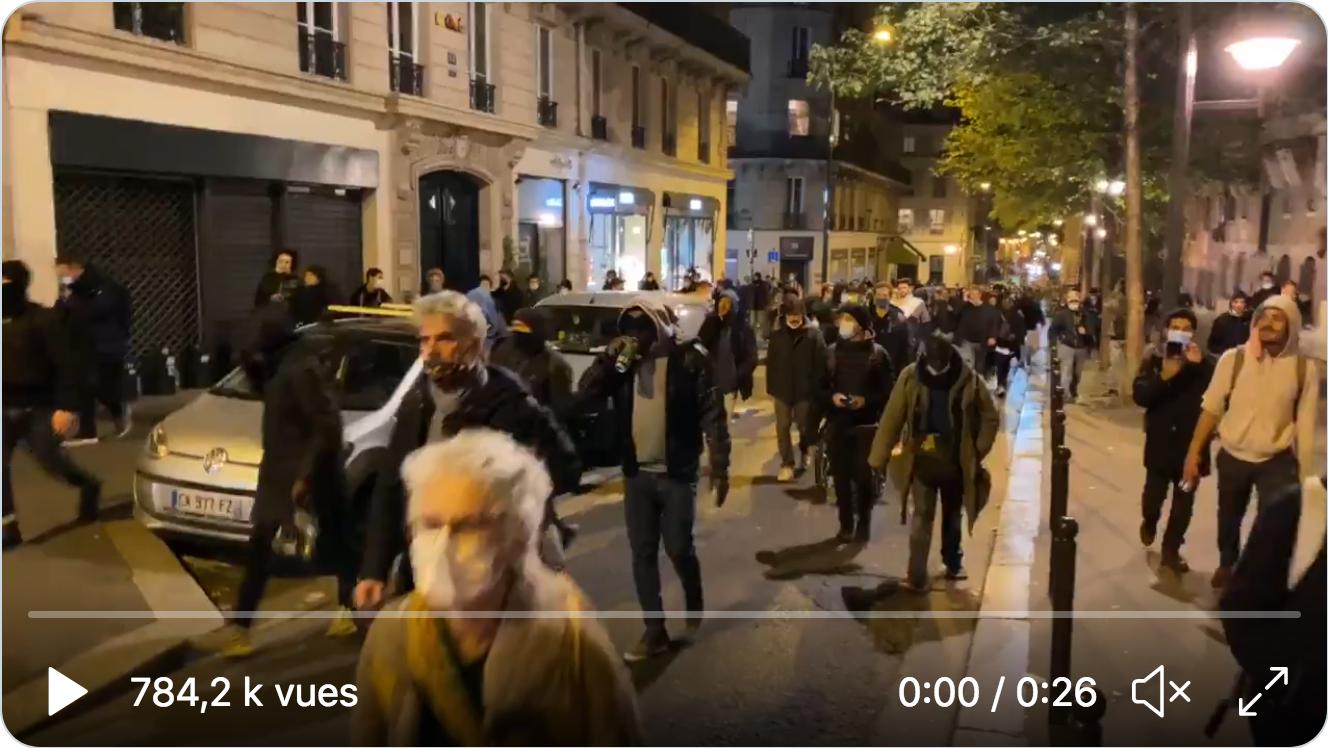 Première nuit de couvre-feu : manifestation pro-libertés à Paris et Marseille (VIDÉOS)