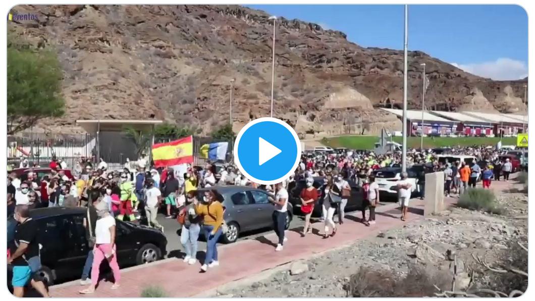 Manifestation anti-immigration aux Îles Canaries où débarquent des milliers de clandestins africains (VIDÉO)