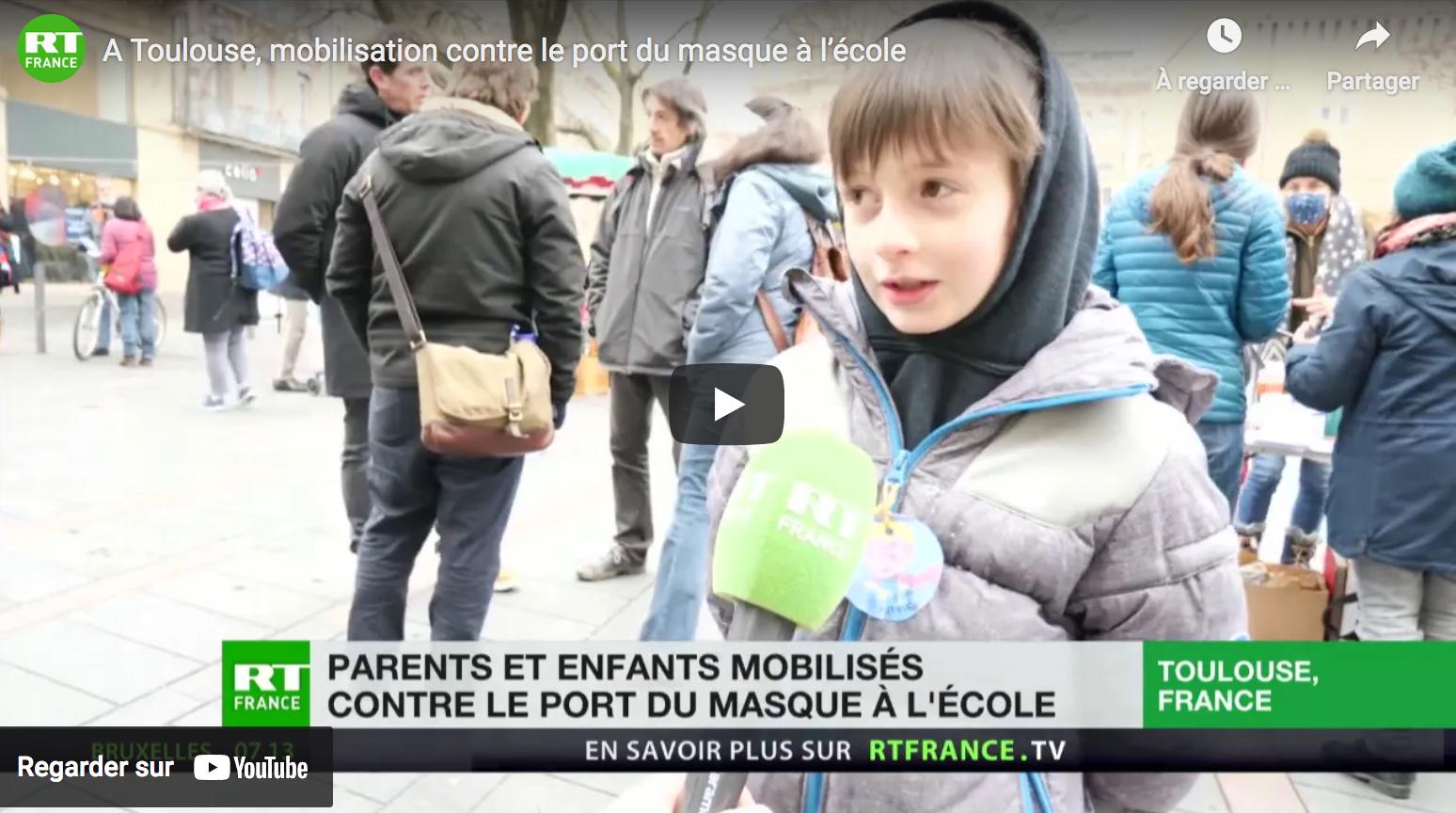 À Toulouse, mobilisation contre le port du masque à l'école (REPORTAGE)