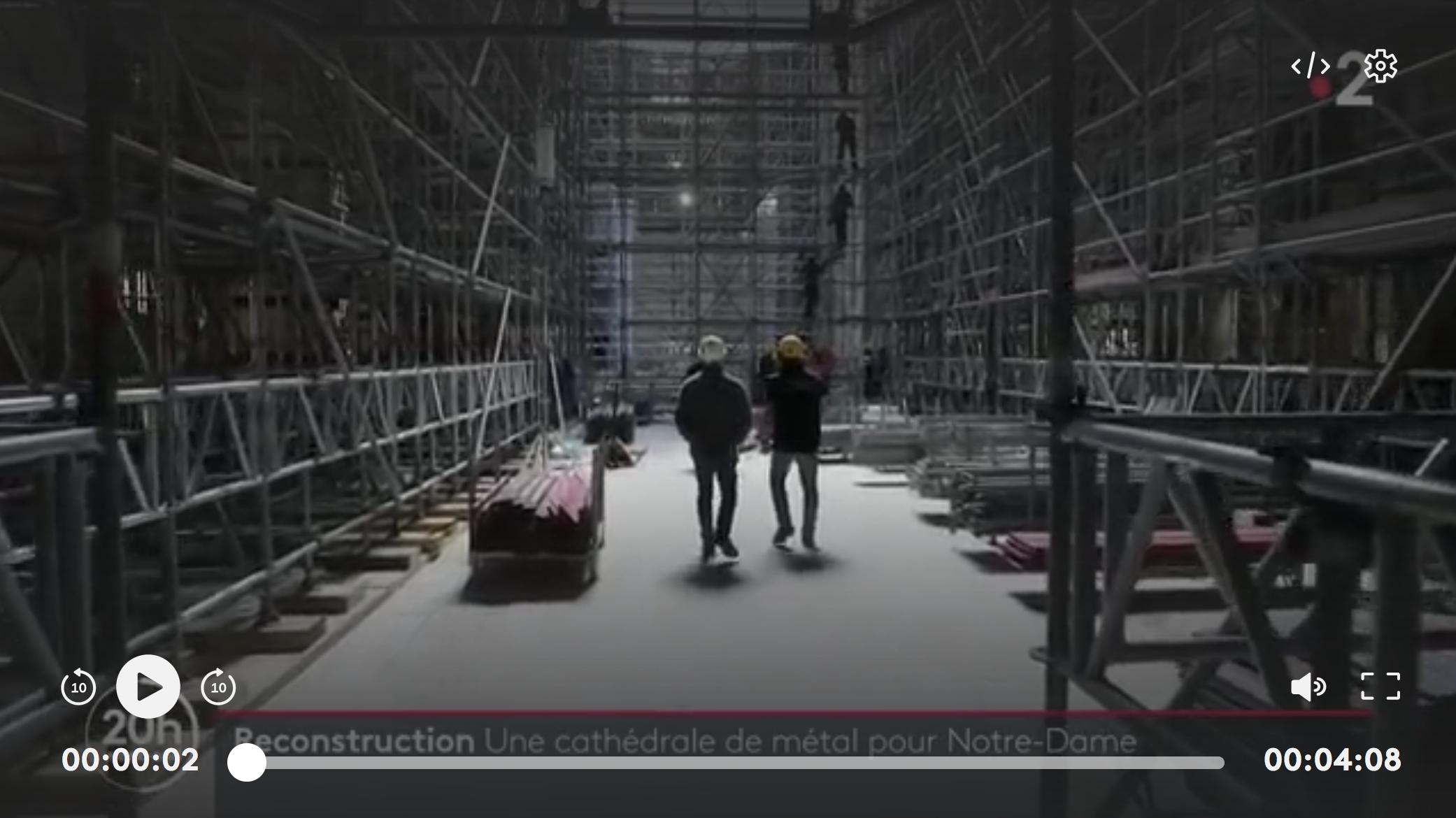 Notre-Dame : enfin sécurisée, la cathédrale se pare de métal (REPORTAGE)