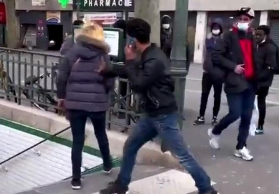 Quartier grand-remplacé de la Porte de la Chapelle : Un immigré arabo-musulman agresse violemment une femme blanche (VIDÉO)