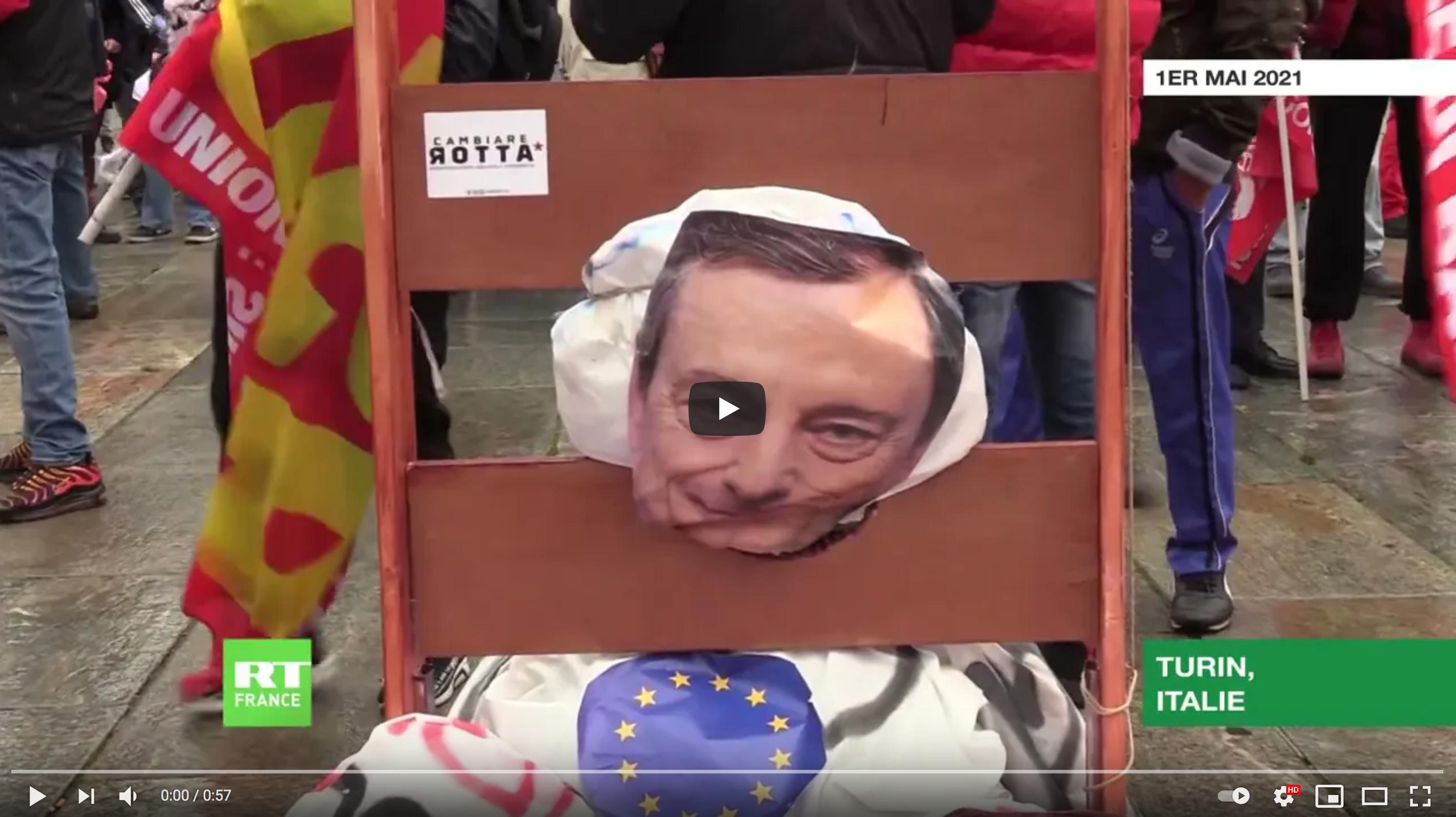 1er-Mai : des manifestants installent une guillotine à l'effigie de Mario Draghi en Italie (VIDÉO)