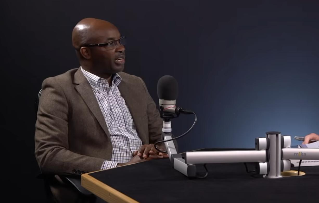 Macron au Rwanda « va se prosterner devant Kagame, dernier criminel de guerre encore en vie » (Charles Onana)