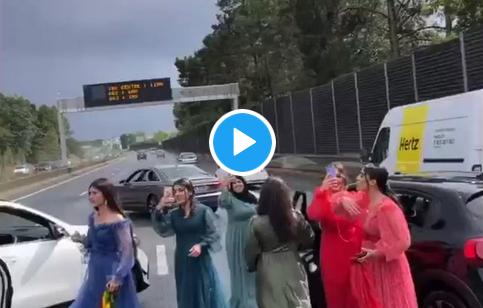 """Le """"plus beau jour de la vie"""" de ces immigrés arabo-musulmans consiste à bloquer l'autoroute en France… (VIDÉO)"""
